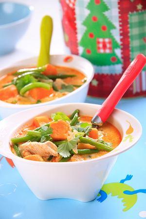 Tajska zupa z kurczakiem i słodkim ziemniakiem