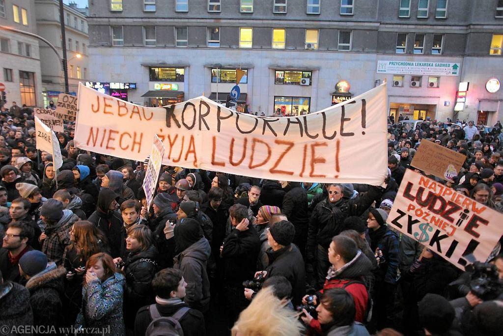 Protest przeciw ACTA przed biurem Parlamentu Europejskiego na Jasnej