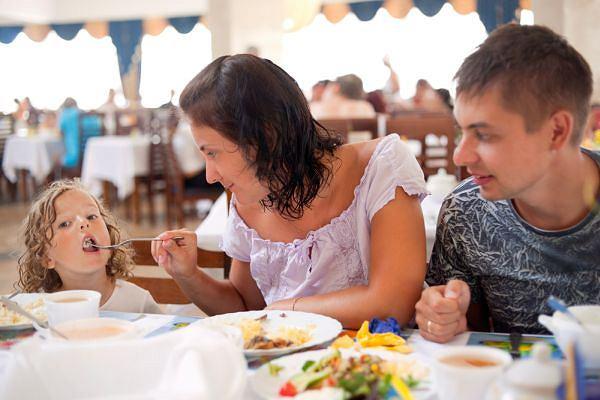 Jedząc w przydrożnych barach nie masz pewności czy posiłek nie wywoła u ciebie niestrawności