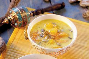 Zupa maślana z owocami