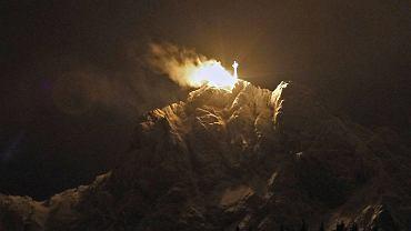 2.4.2012. Giewont w Tatrach