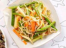 Chiński makaron z warzywami - ugotuj