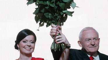 Leszek Miller na kongresie SLD tuż po wyborze na szefa partii
