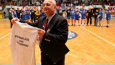 Po awansie w 2005 roku. Dyrektor klubu Leszek Dublaszewski już bez wąsów