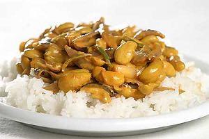 Curry z orzechów nerkowca