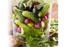 Ogórki z winogronami - ugotuj