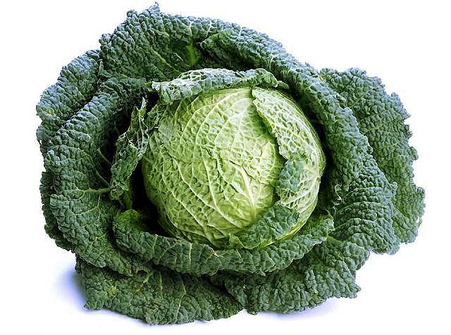 W razie anemii w diecie powinny znaleźć się ciemnozielone warzywa, żółka jaj, sok z buraków i marchwi.