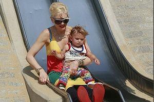 Gwen Stefani bawi się z dzieckiem