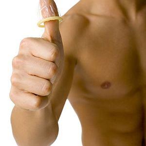 Aż 59 proc. Polaków uważa prezerwatywę za najlepszą formę antykoncepcji