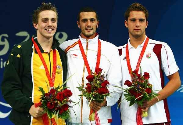 Matthew Cowdrey (Australia), Jesus Collado (Hiszpania) i Tamas Sors (Węgry) - medaliści w pływaniu (400m stylem dowolnym)
