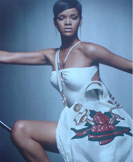Rihanna w reklamie Gucci dla UNICEF - skan