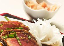 Stek z tuńczyka w sezamie z sosem ostrygowo-sojowym - ugotuj