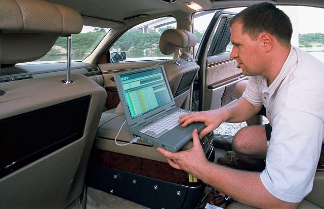 Współczesna diagnostyka silnika może być prowadzona w każdych warunkach, potrzebny sprzęt to komputer z odpowiednim oprogramowaniem