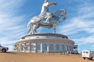 U blaszanego Czyngis-chana