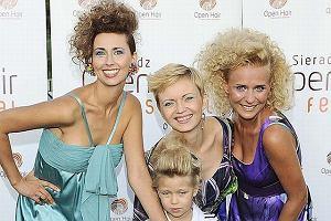 Impreza nazywa się Fashion Hair Festival i zajechały na nią takie gwiazdy. Nie skomentujemy ani nazwy imprezy, ani gwiazd, które na nią zajechały.