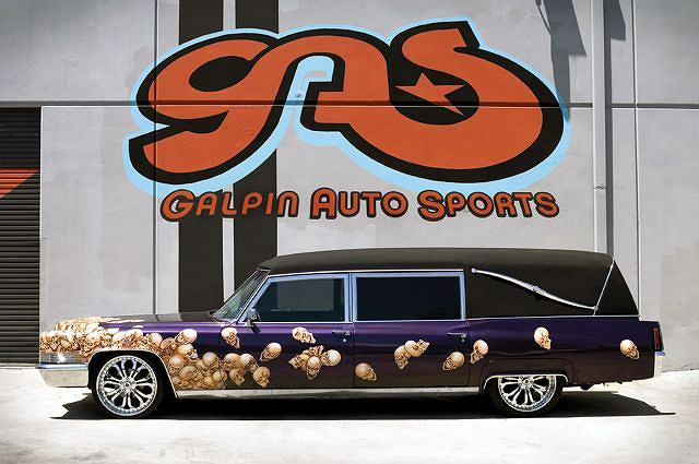 Halloweenowy karawan Cadillaca wg Galpin Auto Sports