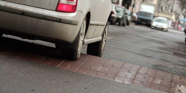 Progi zwalniające na drogach są nieekologiczne. Brytyjski polityk apeluje o ich usunięcie