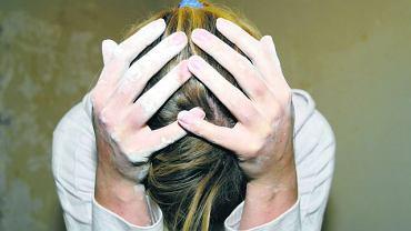 """Ogromna role w leczeniu cierpiących na depresję odgrywa ich otoczenie. Rodzina i przyjaciele muszą zrozumieć, że obwinianie chorego, rady typu: """"nie leń się"""", """"weź się w garść"""", tylko pogłębia kryzys, zamiast zachęcić do działania"""