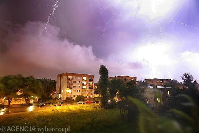 Katowice. Burza nad miastem (zdjęcie ilustracyjne)