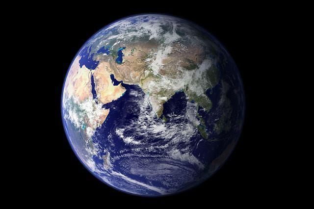 Postępujące zanieczyszczenie Ziemi szkodzi gospodarce.