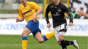 Adrian Mrowiec (z lewej) jeszcze w barwach Arki Gdynia