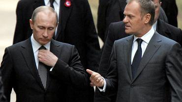 Władimir Putin i Donald Tusk podczas spotkania w Katyniu