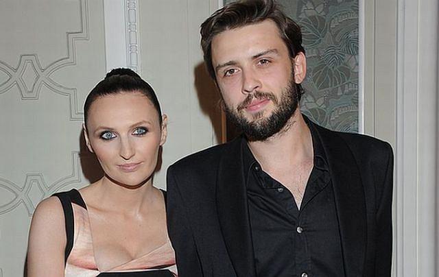 W styczniu na świat przyszło pierwsze dziecko Reni Jusis i Tomka Makowieckiego. Muzycy musieli ograniczyć ilość wyjść na imprezy, ale we wtorek pojawili się jednak na bankiecie magazynu