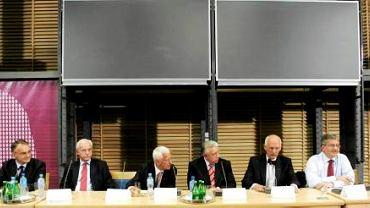 9 czerwca, Uniwersytet Warszawski: debata ośmiu kandydatów na Prezydenta zorganizowana przez Młoda RP