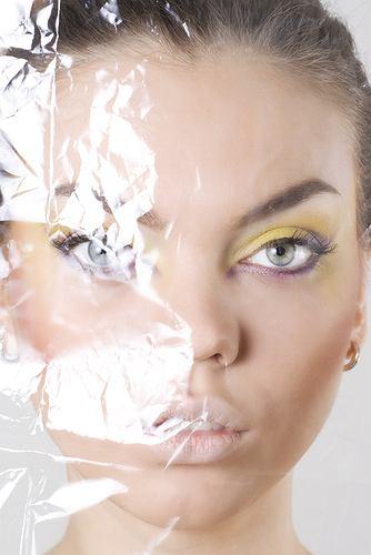 Jakie błędy w makijażu cię postarzają?