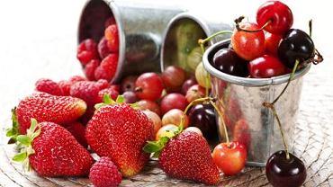 Owoce zawierają fruktozę.
