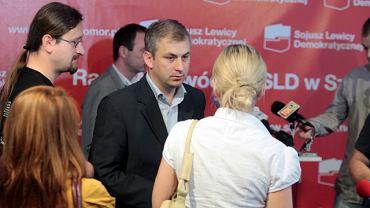 W centrum - Grzegorz Napieralski