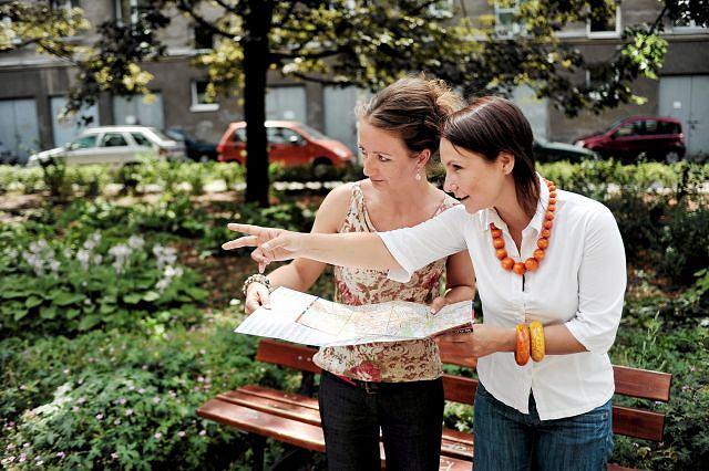 Aż 74% kobiet nie widzi problemu, aby zapytać się o drogę