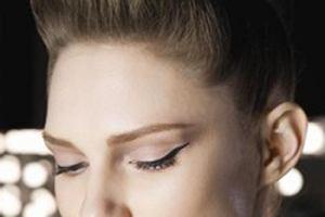 Trendy w makijażu według marki Max Factor