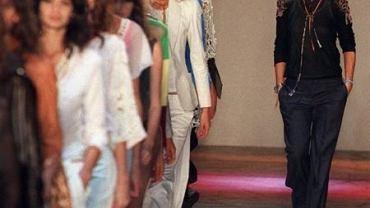Projektantka podczas pokazu swojej kolekcji dla Celine, sierpień 2010