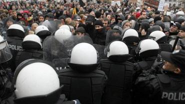Przepychanki w okolicach ulicy Miodowej