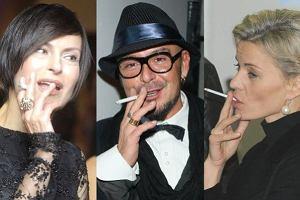 Od dziś obowiązuje zakaz palenia w miejscach publicznych miedzy innymi w klubach, barach i restauracjach. Skończą się przyjęcie z dymkiem i śmierdzące ubrania. Wśród gwiazd jest wielu zatwardziałych palaczy. Będą musieli zapomnieć o pogadankach z papierosem w dłoni.