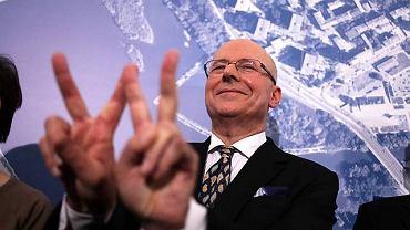 Drugi wynik w wyborach prezydenta Warszawy zdobył popierany przez PiS Czesław Bielecki