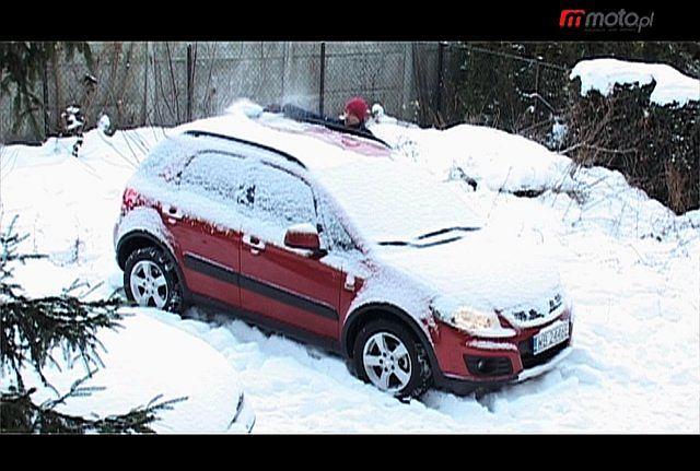 Jak odśnieżać auto?