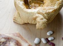 Zupa z fasoli i ozorków cielęcych zapiekana w cieście francuskim - ugotuj