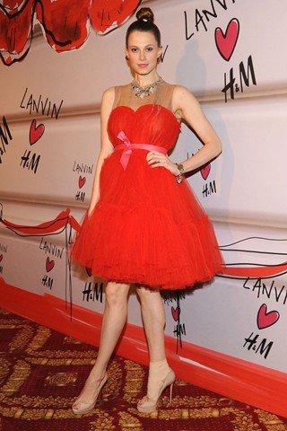 Karnawał w stylu gwiazd: czerwona sukienka