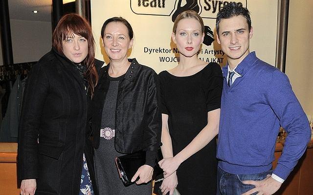 Mama, siostra i żona Mateusza Damięckiego przybyły na premierę spektaklu