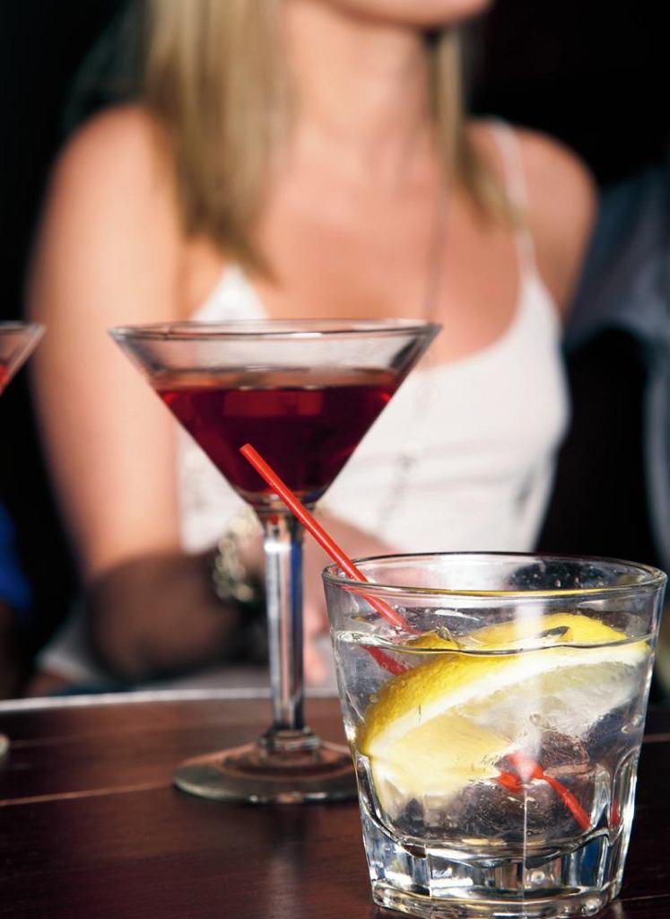 Alkoholizm to rodzaj uzależnienia od środków odurzających, stanowiący problem społeczny, któremu zwykle poświęca się za mało uwagi