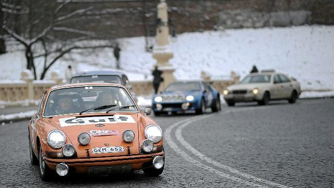 Z Warszawy wystartował historyczny rajd Monte Carlo