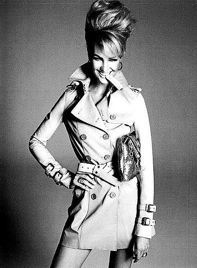 Candice Swanepoel w Vogue. Modne fryzury pełne objętości