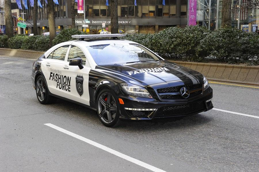 Mercedes CLS - modowy patrol na Mercedes-Benz Fashion Week 2011