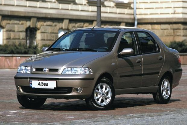 Fiat Albea (2002 - 2007) - opinie Moto.pl