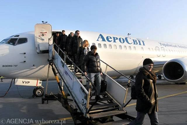 Ekipa Żetysu Tałdykorgan przyleciała do Warszawy via Ałmaty i Kijów