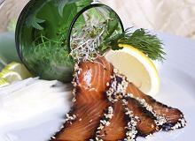 Łosoś marynowany w soi i imbirze panierowany prażonym sezamem - ugotuj