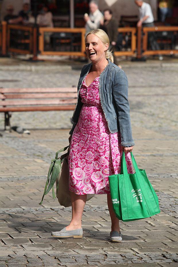 N.z Kinga Preis - aktorka. Plan zdjeciowy serialu Ojciec Mateusz. 09.07.2009 fot. Krzysztof Jarosz/Forum