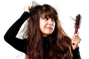 wypadanie włosów a hiperprolaktynemia